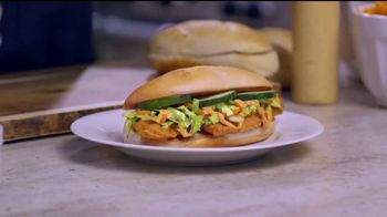Jack in the Box Asian Fried Chicken Sandwich TV Spot, 'Nunca' [Spanish] - Thumbnail 2