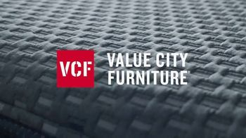 Value City Furniture Presidents' Day Mattress Sale TV Spot, 'Hurry In' - Thumbnail 2
