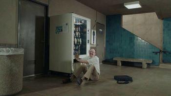 DIRECTV TV Spot, 'Head Bang: Some People' - Thumbnail 7
