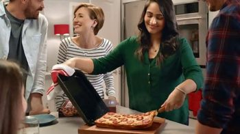 DiGiorno Crispy Pan Pizza TV Spot, 'Long Way Home' - Thumbnail 4