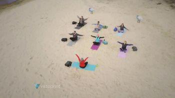 Vistaprint TV Spot, 'Paraguas' [Spanish] - Thumbnail 4