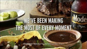 Modelo Negra TV Spot, 'Pair With Good Food' - Thumbnail 7