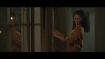 Amazon Echo Spot TV Spot, 'Humanitarian' Featuring Rebel Wilson - Thumbnail 4