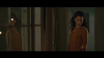 Amazon Echo Spot TV Spot, 'Humanitarian' Featuring Rebel Wilson - Thumbnail 6