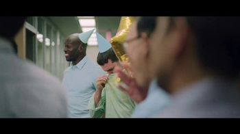 Hanes With Fresh IQ TV Spot, 'End the Smellfie' - Thumbnail 6