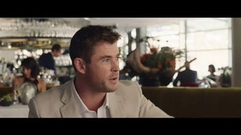 Tourism Australia Super Bowl 2018 TV Spot, 'Dundee: This Isn't a Movie' - Thumbnail 8