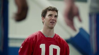 NFL Super Bowl 2018 TV Spot, 'Thumb War' Feat. Eli Manning, John Jerry - Thumbnail 1