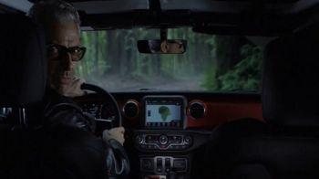 Jeep Super Bowl 2018 TV Spot, 'Jeep Jurassic' Featuring Jeff Goldblum [T1] - Thumbnail 5
