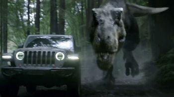 Jeep Super Bowl 2018 TV Spot, 'Jeep Jurassic' Featuring Jeff Goldblum [T1] - Thumbnail 6