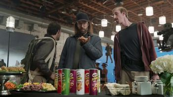 Pringles Super Bowl 2018 TV Spot, 'WOW' Featuring Bill Hader - Thumbnail 9