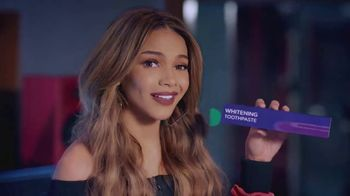Colgate Optic White TV Spot, 'El tono perfecto' con Leslie Grace [Spanish] - Thumbnail 3