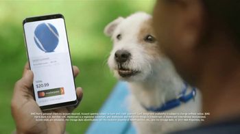 BMO Harris Bank Bulls Debit Mastercard TV Spot, 'Souvenir: Chew Toy' - Thumbnail 5
