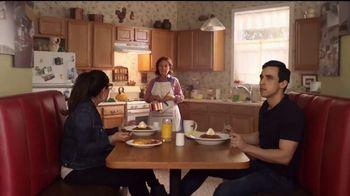 Denny's Dulce de Leche Crunch Pancakes TV Spot, 'Abuela' [Spanish] - Thumbnail 4