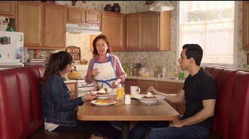 Denny's Dulce de Leche Crunch Pancakes TV Spot, 'Abuela' [Spanish] - Thumbnail 8