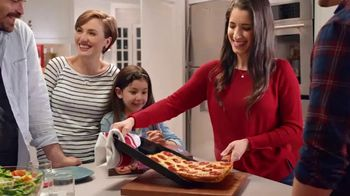 DiGiorno Crispy Pan Pizza TV Spot, 'Directo a tu mesa' [Spanish] - Thumbnail 3