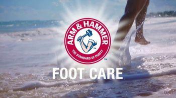 Arm and Hammer Foot Care TV Spot, 'Funky Feet Season' - Thumbnail 8