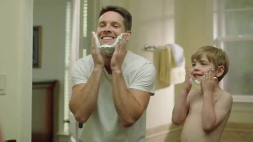 Barbasol Ultra 6 Plus TV Commercial, 'Close Shave'