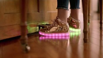 Famous Footwear TV Spot, 'Every Step Counts' - Thumbnail 5