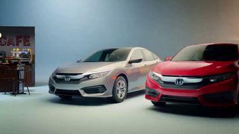 Honda Celebración de Verano TV Spot, '2017 Civic LX Sedan' [Spanish] [T2] - Thumbnail 4