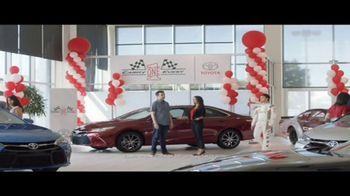 Toyota Camry One Event TV Spot, 'Campeón' con Daniel Suárez [Spanish] [T2] - Thumbnail 2