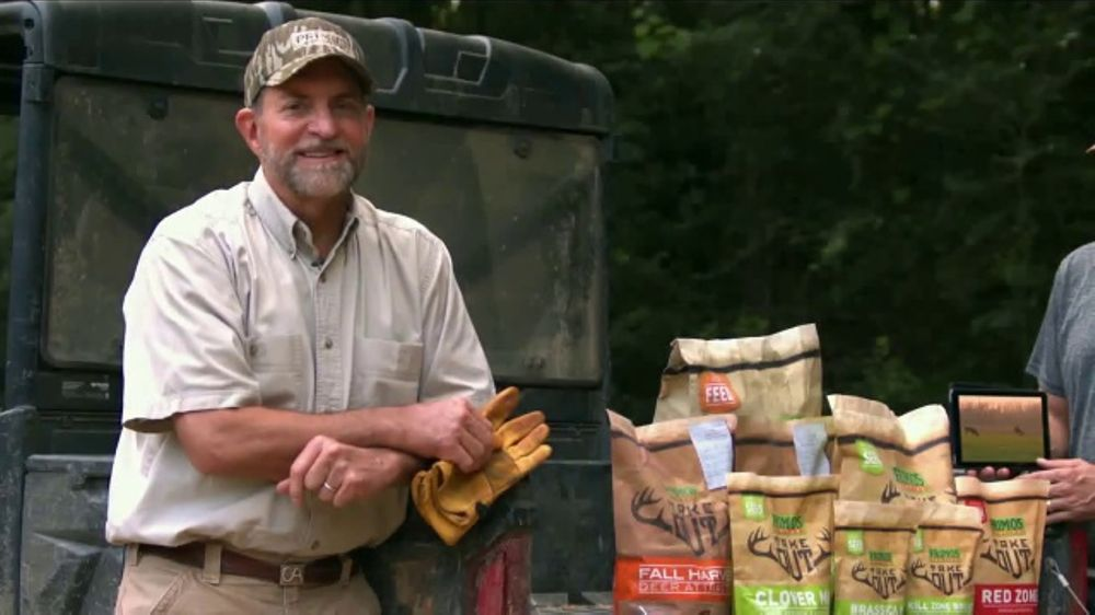 Primos Take Out Seed and Feed System TV Commercial, 'Grow Great Hunts'