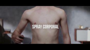 Axe TV Spot, 'Espray corporal vs espray seco' [Spanish]
