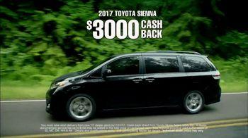 2017 Toyota Sienna TV Spot, 'Time for Life: Cash Back' [T2] - Thumbnail 4