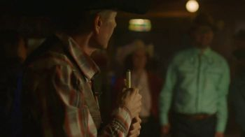 Shiner Bock TV Spot, 'Ice Cold Welcome' Song by Ernest Tubb - Thumbnail 2