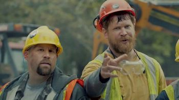Chick-fil-A Chick-n-Minis TV Spot, 'Construction Workers' - Thumbnail 5