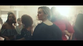 H&M TV Spot, '2018 Spring Collection: Dress' Featuring Winona Ryder - Thumbnail 2