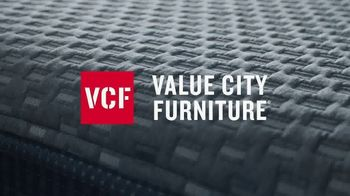 Value City Furniture TV Spot, 'Save $50: Queen Mattress Set' - Thumbnail 3