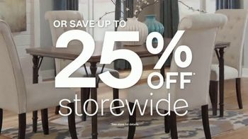 Ashley HomeStore Anniversary Sale TV Spot, 'Rolling Out the Red Carpet' - Thumbnail 4