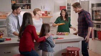 DiGiorno Rising Crust Pizza TV Spot, 'Straight to Your Table' - Thumbnail 3