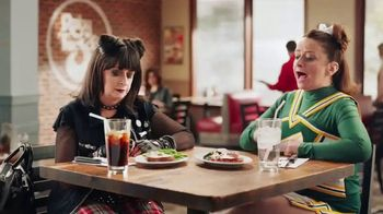 Ruby Tuesday Dinner for Two TV Spot, 'Bringing Everyone Twogether' - Thumbnail 6