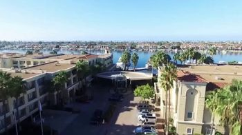 Balboa Bay Resort TV Spot, 'SoCal Style' - Thumbnail 2