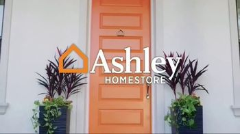Ashley HomeStore Anniversary Sale TV Spot, 'Amazing Savings: Mattresses' - Thumbnail 1
