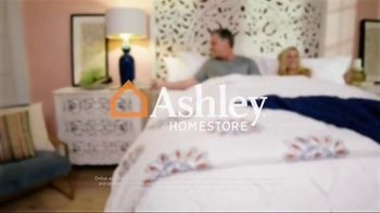 Ashley HomeStore Anniversary Sale TV Spot, 'Amazing Savings: Mattresses' - Thumbnail 9