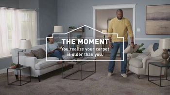 Lowe's Spring Black Friday TV Spot, 'The Moment: Old Carpet: Deluxe' - Thumbnail 4