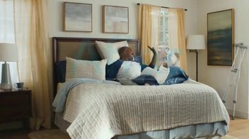Aflac One Day Pay TV Spot, 'Always There' - Thumbnail 10