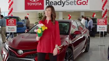 Toyota Ready Set Go! TV Spot, 'Flowers: 2018 Camry' [T2] - Thumbnail 8