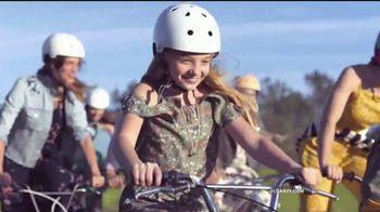 Old Navy TV Spot, 'Dile hola al vestido Cami: vestidos' [Spanish] - Thumbnail 4