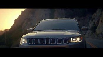 2017 Jeep Compass TV Spot, 'Big Move' [T1] - Thumbnail 7