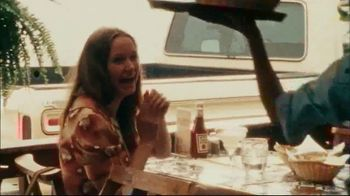 Chili's Three Course Meal TV Spot, 'Celebrate' Song by The Doobie Brothers - Thumbnail 3