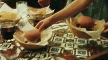 Chili's Three Course Meal TV Spot, 'Celebrate' Song by The Doobie Brothers - Thumbnail 5