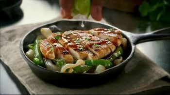 Chili's Three Course Meal TV Spot, 'Celebrate' Song by The Doobie Brothers - Thumbnail 7