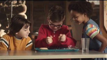 Hershey's Cookie Layer Crunch TV Spot, 'Un clásico con un twist' [Spanish] - Thumbnail 3