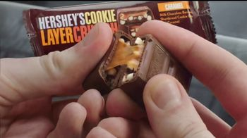 Hershey's Cookie Layer Crunch TV Spot, 'Un clásico con un twist' [Spanish] - Thumbnail 5