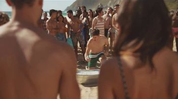 Corona Extra Summer Beach Can TV Spot, 'Beach in a Can' Song by Jimmy Cliff - Thumbnail 3