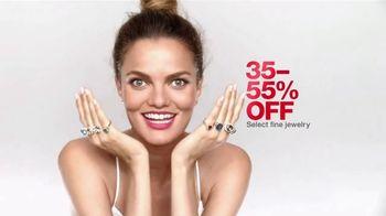 Macy's Super Saturday Sale TV Spot, 'Jewelry and Bras' - Thumbnail 3