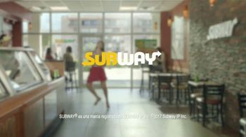 Subway $6 Footlong Sub del Dia TV Spot, 'Festejar' [Spanish] - Thumbnail 7